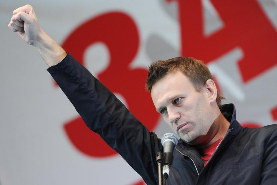 Навальный хочет выступить на дебатах с Путиным